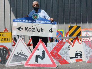 ¡No lleve señales de advertencia de Malatya Metropolitan!