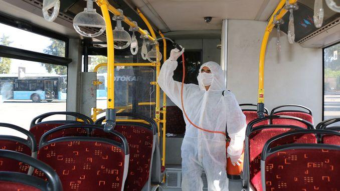 550 voertuigen voor openbaar vervoer worden gedesinfecteerd in Antalya