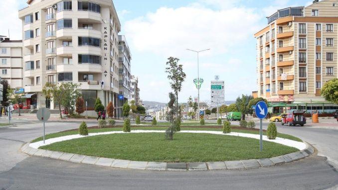 Disposición para dos rotondas en Çayırova
