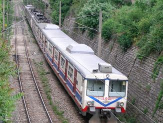 AFRAY कम्यूटर लाइन को कैंची से हाई स्पीड ट्रेन लाइन से जोड़ा जाए