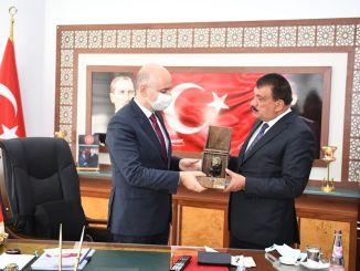 Nazir Karaismailoğlu Malatya Böyükşəhər Bələdiyyəsini ziyarət etdi