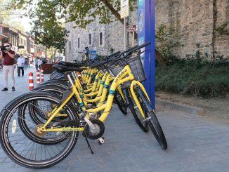 布爾薩的共享自行車時間