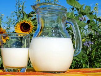 De premie voor ondersteuning van rauwe melk wordt 3 maanden eerder ingetrokken