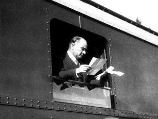 Spoorwegen vieren de 97e verjaardag van de Republiek met trots en eer