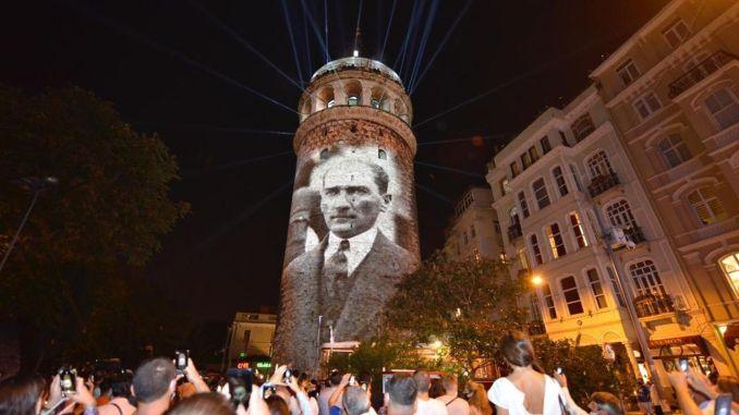 Кулата Галата започва да приема отново своите посетители
