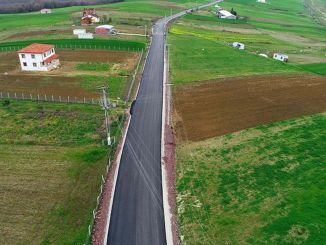 11 km weg gebouwd naar 18 dorpen van Kandira