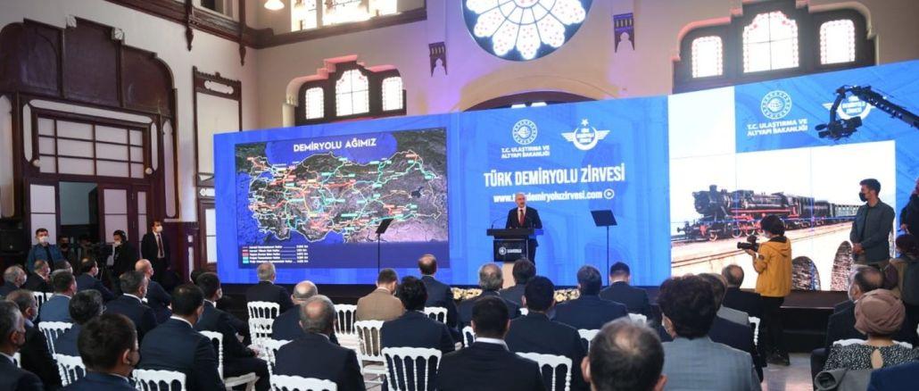 Türk Demiryolu Zirvesi, Sirkeci Garı'nda ve Tüm Online Platformlarda Başladı