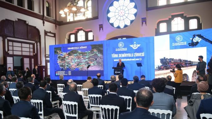 פסגת הרכבת הטורקית החלה בתחנת סירקיצי ובכל הרציפים המקוונים