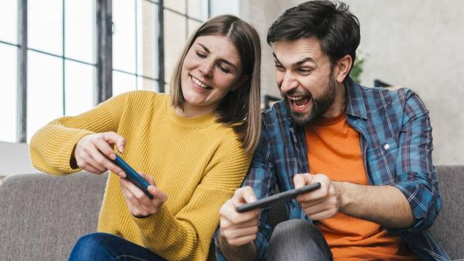 Produced 800 Thousand People in Turkey Playing Mobile Games