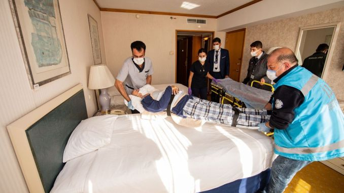 First earthquake victims settled in star hotel building
