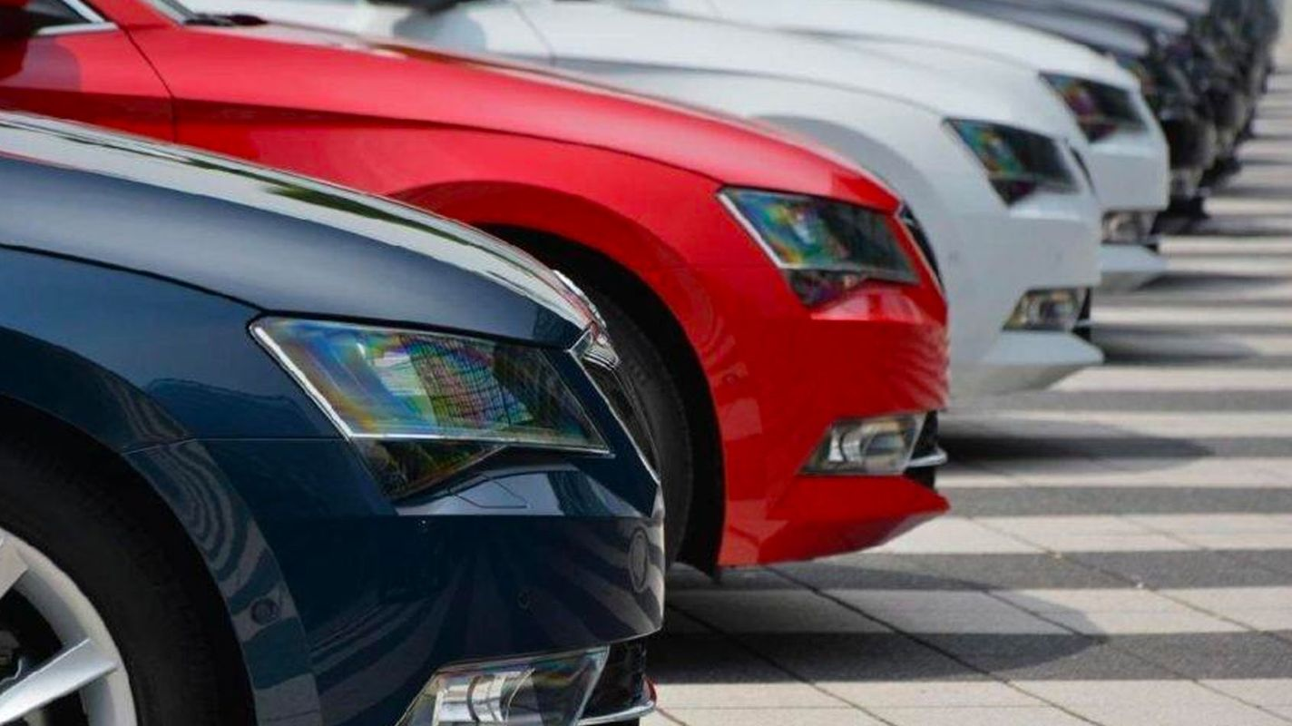 usługa wynajmu samochodu zostanie powiadomiona