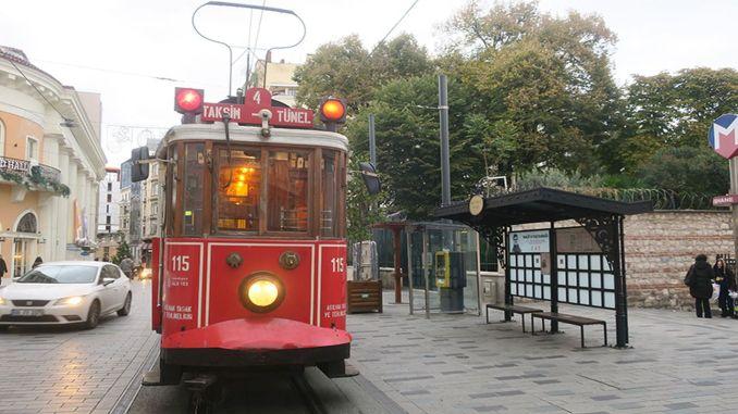 naam van halit-afstemming gegeven aan tramhalte tunel