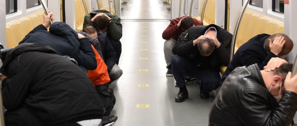 maavärina rakendus Istanbuli metroos
