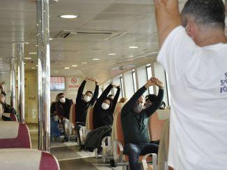 Sport begon op veerboten in Istanbul