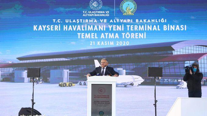 Ang pundasyon sa bag-ong terminal building sa Kayseri Airport gibutang na.