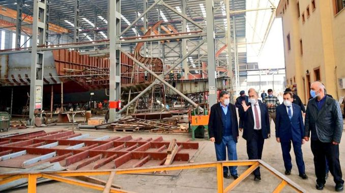 visit to camburnu shipyard from the governor of trabzon.
