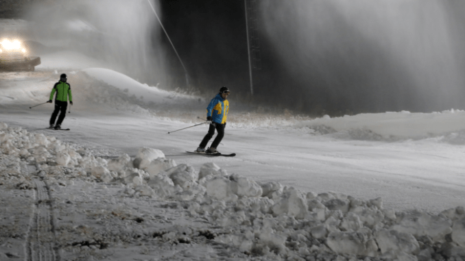 A first winter snow were spread on the turkiyede stored in the Palandöken ski slopes