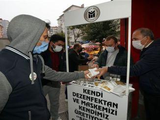 Općina Yenimahalle nastavlja s distribucijom maski u metro stanicama
