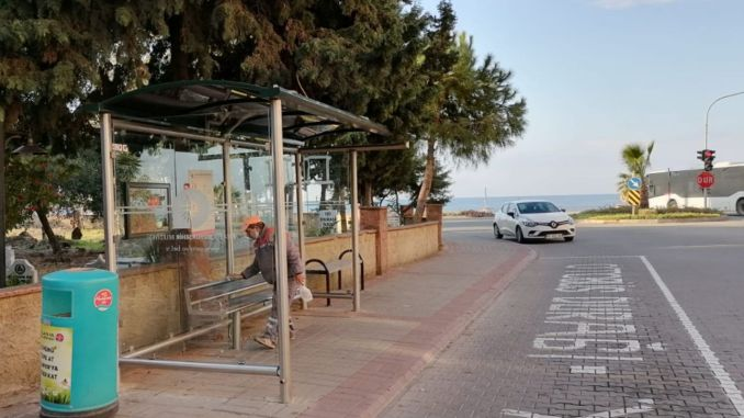 Bus stops are cleaned and washed in Alanya