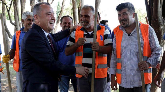 The minimum fee was thousand lira in the municipality of antalya buyuksehir