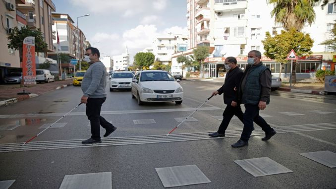 Traffic lights will speak for the visually impaired in Antalya