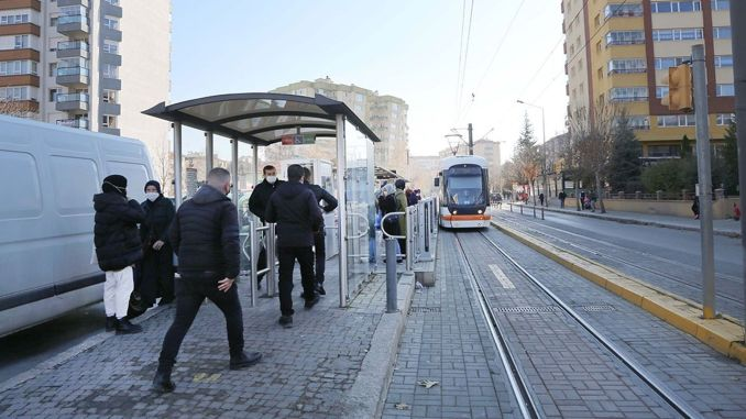 estram teams do not bother passengers who will travel in public transport