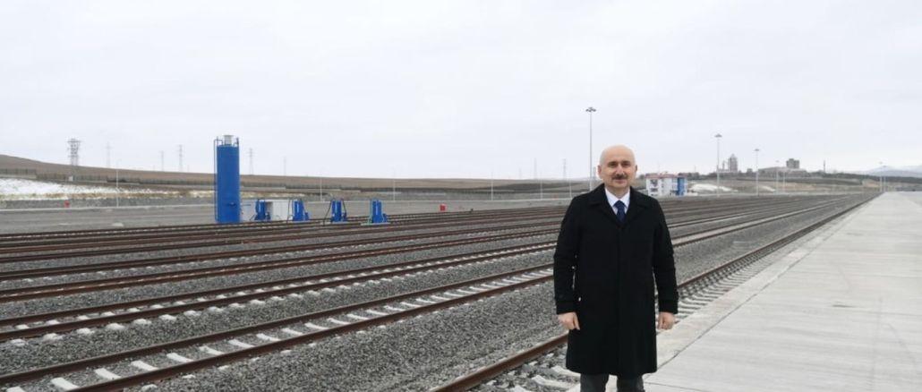 המרכז הלוגיסטי של קרס נפתח לעולם על ידי שילוב עם הרכבות