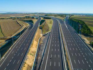 אורכי turkiyenin של כבישים מהירים אלפי BMD נראה