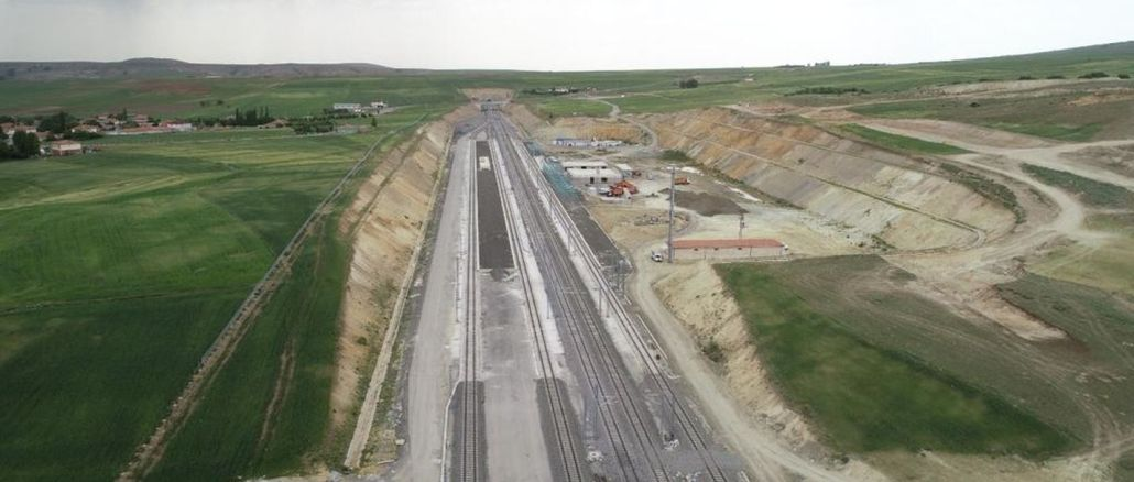 Outros bilhões de liras serão gastos no projeto ankara sivas yht, que não termina há um ano