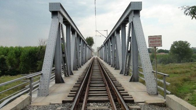Bridge and displacement in Ankara Kayseri line as a result of the tender