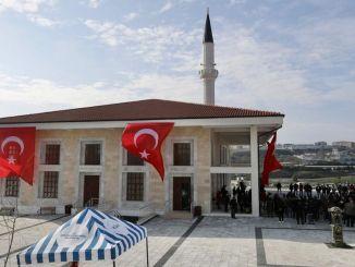 Die Ibrahim Cevahir Moschee in Beylikduzund wurde zum Gottesdienst geöffnet