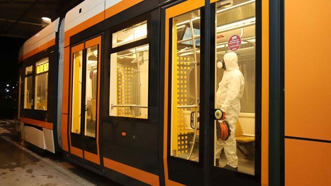 estramdan tramvay ve duraklarda detayli temizlik