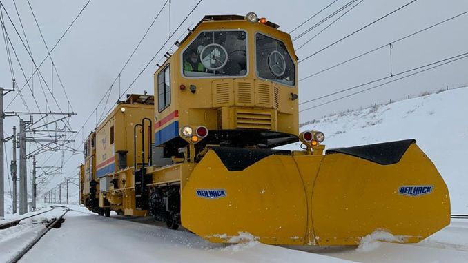 tcdd struggles with snow on railways