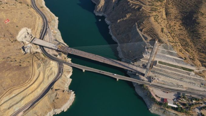 the first emergency of the new year will be made with the komurhan bridge and tunnels