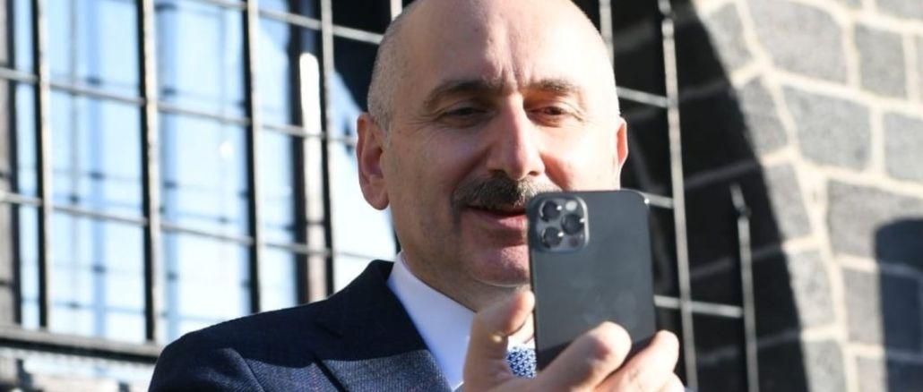 Le ministre a expliqué que le nombre d'abonnés mobiles dépassait le million