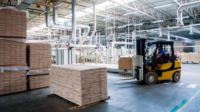بيئة عمل خالية من الحوادث وآمنة في المنشآت الصناعية