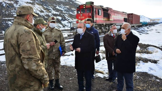 governor oner cildirda examined the btk railway tunnel and the Yukaricambaz train station