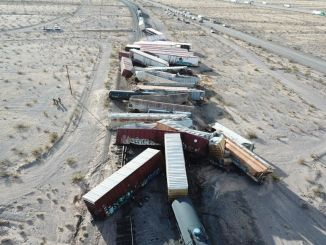 In the US, the freight train derailed, the wagon got into each other