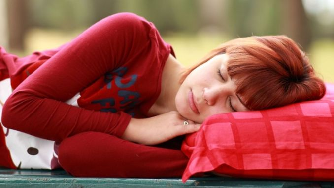 sleep in the dark to strengthen the immune system