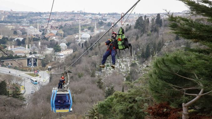 Breathtaking rescue practice on the Eyup Pierre Loti ropeway line