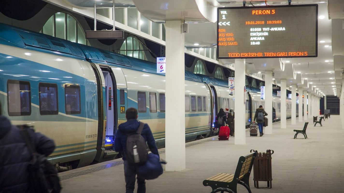Rapid train tickets are on sale the day before the day of travel