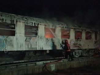 Scrap wagons belonging to tcddye burned in Pamukova