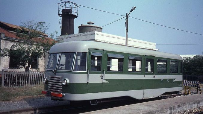 What is a railbus or a railway bus