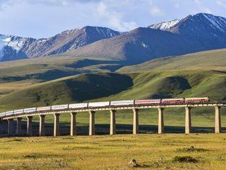Railway freight volume exceeded million tons per month in Sincan Uygur Ozerk Region