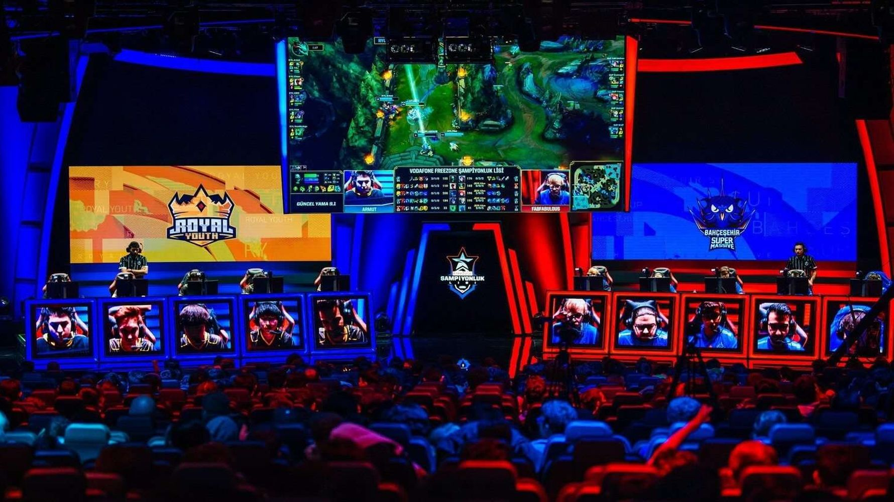 What is Esports? How to Get an Esports License? How to Become an Esports Player?