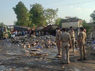 اصطدم قطار ركاب بشاحنة في الهند وأصيب بجروح