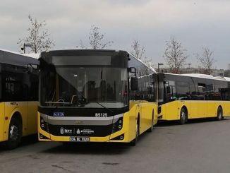 iett-Fahrzeuge werden Ringfahrten in das Istanbuler Halbmarathongebiet unternehmen