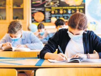 شرح لموعد التعليم والامتحان وجهاً لوجه بعد قرار الإغلاق