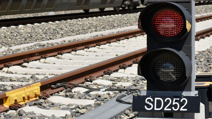 Railway lines are more secure with the national signal system
