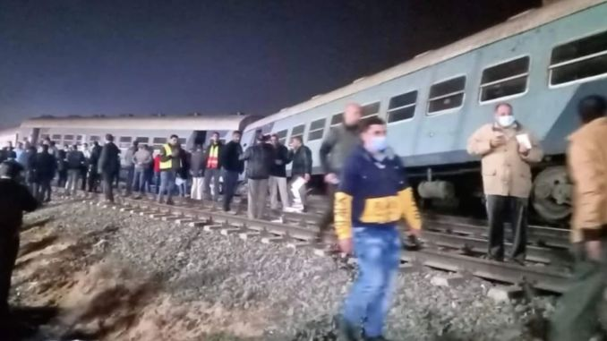 passenger train derailed in Egypt injured